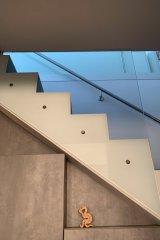 Arnschek_Glaserei-Treppengelaender.jpg